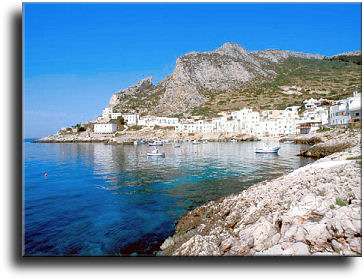 Tourism and tourist places in Farina: the isle of Levanzo